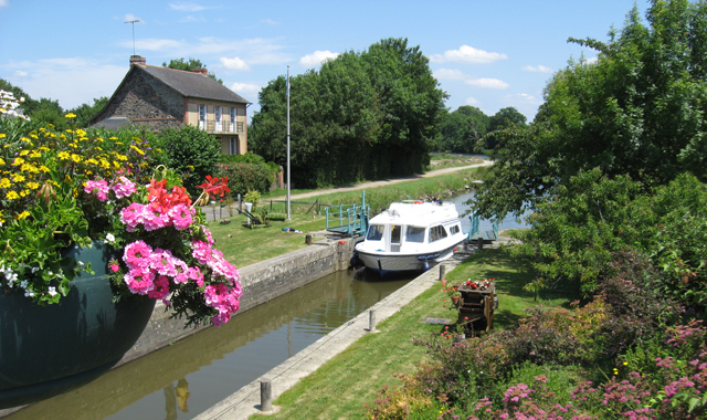 La Gacilly_Picture_Boat in Lock