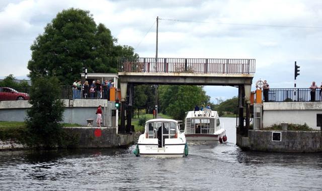 Le Boat Irland Portumna Camlin River