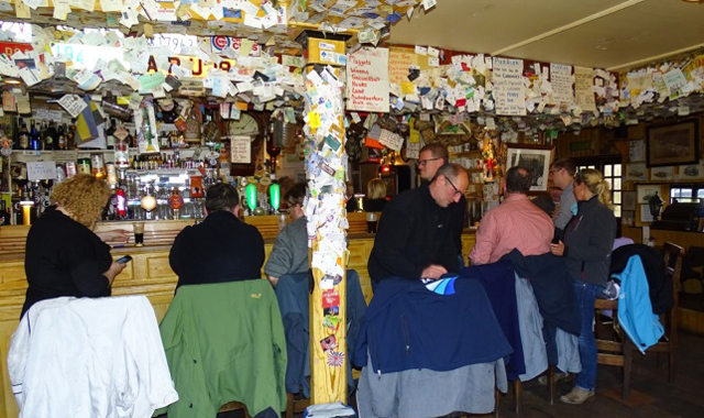 Le Boat Irland portumna Killeens Pub