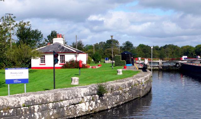 Le Boat Irland Portumna Roosky Lock