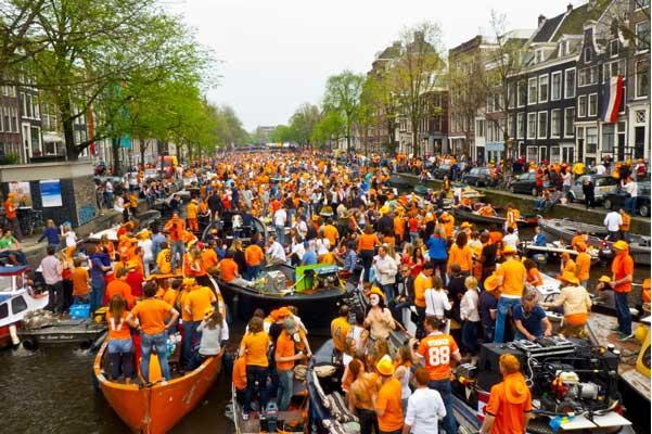 Boote auf dem Kanal