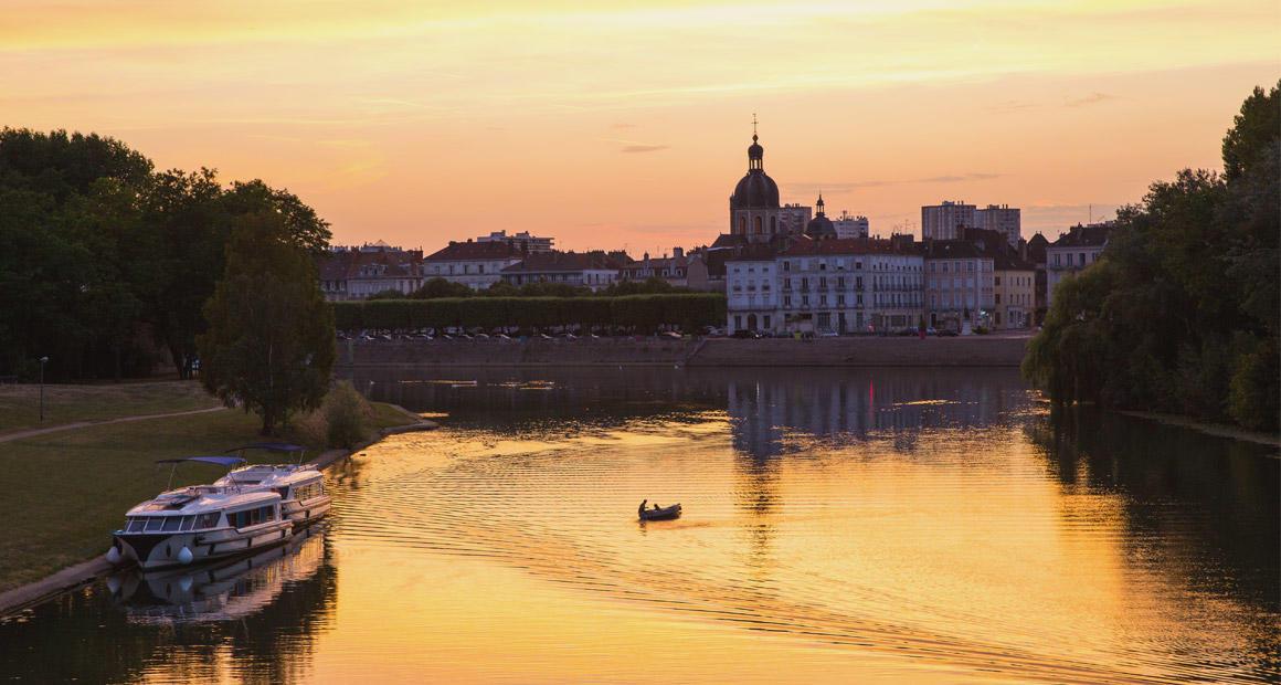 Chalon-sur-Saône au coucher du soleil