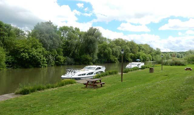 Leboat Bootfahren Franche Comte Ray sur Saone Anleger