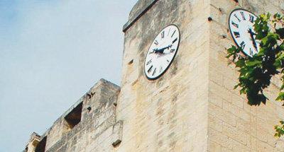 Uhrturm in der Camargue
