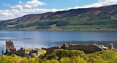 Château Urquhart sur les rives du Loch Ness