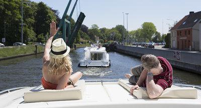 Se relaxer sur les voies navigables de Belgique