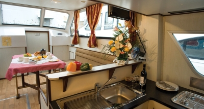 Salon des Hausbootes Continentale von Le Boat