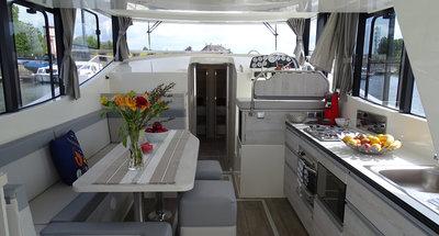 Salon des Hausbootes Horizon 4 von Le Boat