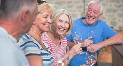Weinprobe in der Gruppe