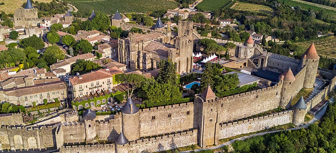 Luftbild von Carcassonne, Canal du Midi