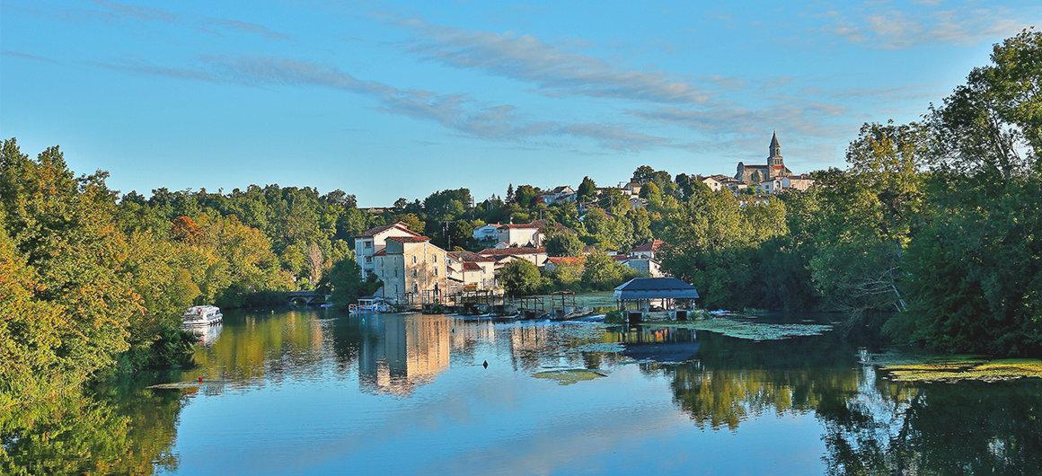 Panorama sur la rivière Charente