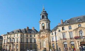 Zentraler Platz in Rennes, Bretagne